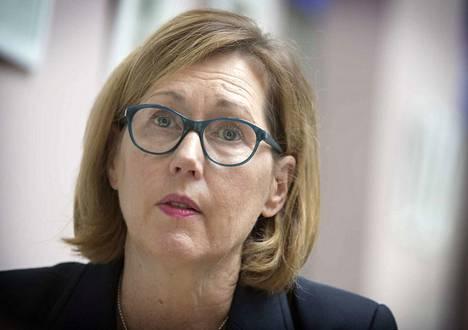 Työministeri Tuula Haatainen siirsi kemian lakon alkua kahdella viikolla.