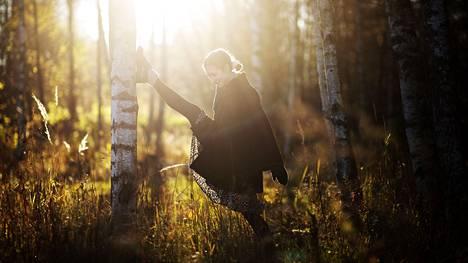 Heidi Kinnusen on vaikea olla tekemättä mitään. Siksi hän usein rentoutuu kävelemällä.