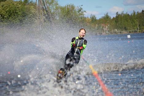 Aino Westergård pujotteli ennätystuloksellaan SM-hopealle.