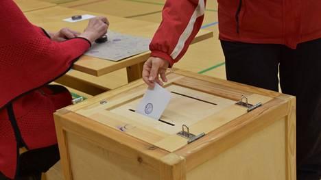 Kuntavaalien ehdokaslistat ovat valmiit. Keuruulla äänestäjillä on valinnan varaa 86 ehdokkaan verran, Multialla ehdokkaita on yhteensä 24.