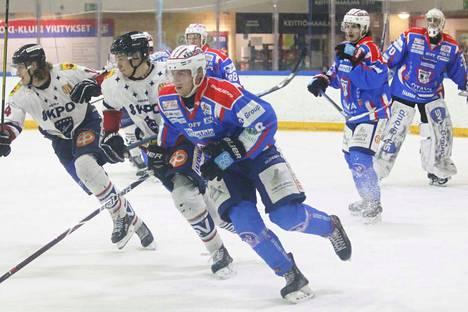 Emppu Pulliainen avasi Lempäälässä maalisaldonsa tämän kauden pudotuspeleissä.