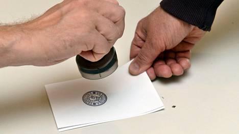 Entistä harvempi kävi vaaliuurnilla näissä kuntavaaleissa.