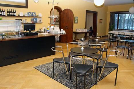 Valtaosa ravintoloista sulkee ovensa hallituksen rajoitusten mukaisesti. Osa jatkaa Mänttä-Vilppulassakin ruoan myymistä ulos. Kuvituskuva.