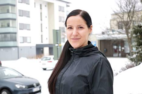 Turenkilainen Jenni Uotila on ehdolla Suomen kansa ensin -puolueen riveistä.