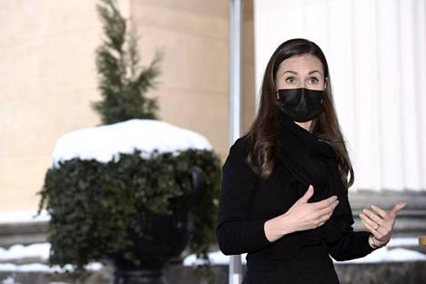 Pääministeri Sanna Marin saapui hallituksen neuvotteluihin Säätytalolle 10. helmikuuta 2021. Tuolloin pohdittiin covid-19-tautitilannetta, rokotetilannetta ja testausstrategian päivitystä. Hallitus kokoontuu jälleen tiistaina 23. helmikuuta neuvottelemaan koronavirustilanteesta.