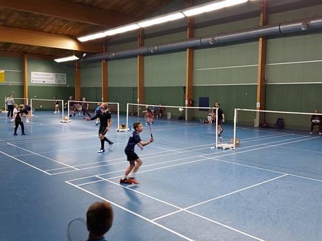 Sulkapallon kansalliset kilpailut jatkuvat Porissa lauantaina koko päivän.