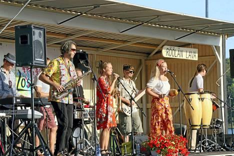 Kuluneena kesänä Röölässä nähtiin kuvan Los Åbos -yhtye.