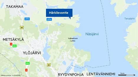 Ylöjärven Härkilevontiellä palaa autotalli.