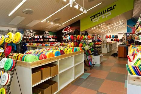Powergrip myymälästä löydät kaikki tarvittavat välineet frisbeegolfiin.