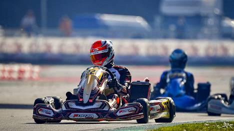 Nikolas Pirttilahden WSK Super Master -sarjan ensimmäinen osakilpailu Italian Adriassa päättyi keskeytykseen teknisen vian vuoksi.