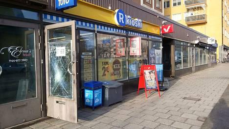 Seminaarinkadun kioski ryöstettiin ilta-aikaan torstaina 13. helmikuuta.