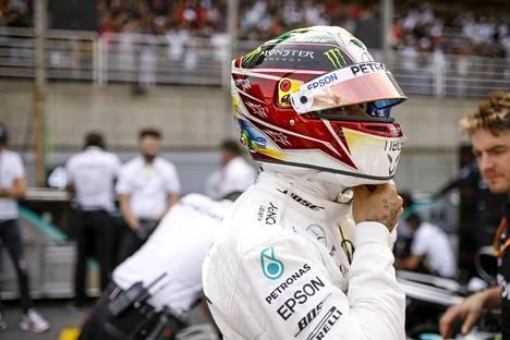 Lewis Hamilton putosi Brasilian GP:n tuloksissa seitsemänneksi.