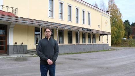 Juhla- ja Pitopalvelu Ritarinkankaan yrittäjä Olli Hautaniemi ottaa vastuulleen Ilveslinnan juhlien järjestämisen käytännön puolen.