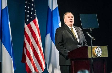 Mike Pompeo kritisoi puheessaan voimakkaasti Arktisen neuvoston kumppanimaata Venäjää ja neuvoston tarkkailijajäsentä Kiinaa aggressiivisesta laajentumisesta Jäämerellä.