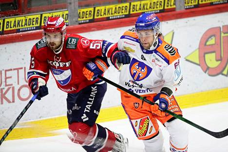 HIFK:n Kasper Kotkansalo ja Tapparan Joona Luoto kamppailivat Nordiksella. Kamppailupeli on yksi Luodon vahvuuksista.