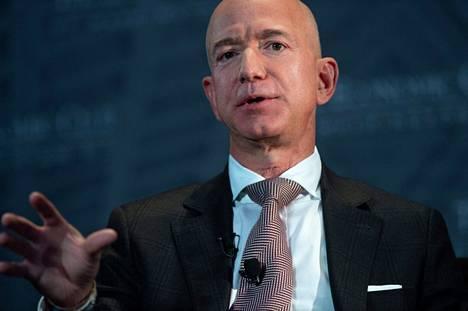 Amazonin perustaja Jeff Bezos kehottaa sekä republikaaneja että demokraatteja työskentelemään yhdessä Yhdysvaltain kilpailukyvyn varjelemiseksi.