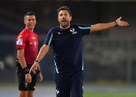 Hellas Veronan valmentaja Eusebio de Francesco sai tylyt potkut alkukaudesta. Kuva Inter-ottelusta elokuulta 2021, Verona hävisi tuon pelin 1–3.