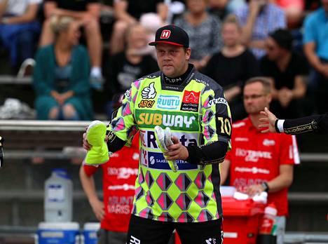 Juha Niemi on raskaan sarjan lyöjäkuningas, joka vahvistaa ensi kaudella Mansea.