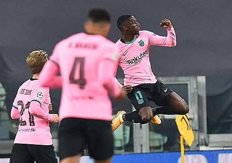 Ousmane Dembele vei Barcelonan 1–0-johtoon.