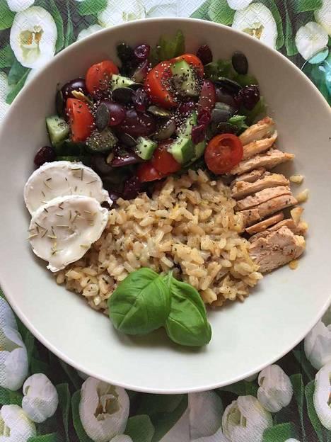 Vuohenjuustolla maustettu risotto sopii kanan, kalan, karitsan ja parsan kylkeen.