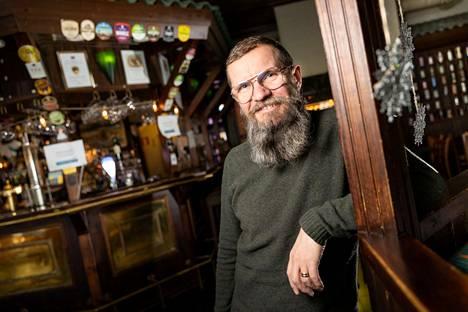 Olen ollut alalla ravintolayrittäjänä pitkään: virallisesti yrittäjänä 12 vuotta, mutta yrittäjän eläkemaksua olen maksanut jo vuodesta 1998, Mika Tuhkanen kertoo.