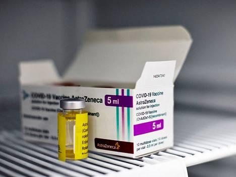 65 vuotta täyttäneet voivat valita ensimmäiseksi rokoteannokseksi muun kuin Astra Zenecan rokotteen.