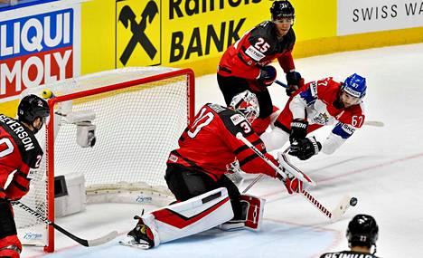 Kanadan maalilla nähdään Stanley Cup -voittaja Matt Murray. Puolustuksen tukipilareihin kuuluu Edmontonin Darnell Nurse.