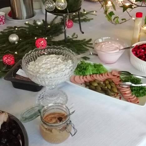 Tervakoskella ja Turengissa järjestettiin alkukuusta pienituloisille suunnattu jouluinen ateria.