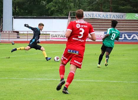 Janne Järnstedt oli kiireinen ottelun avausjaksolla, mutta toisella puolikkaalla töitä oli vähän.