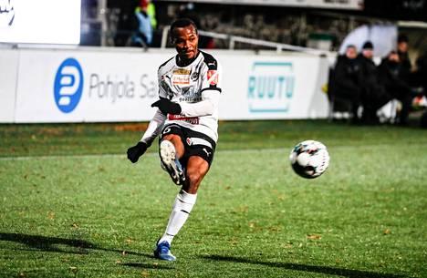 Samuel Chidi on yksi niistä Hakan pelaajista, jotka kaipaavat vielä peliminuutteja ennen liigan alkua.
