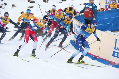 Iivo Niskanen (edessä) on yksi Suomen neljästä mieshiihtäjästä Tour de Skillä.