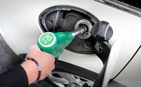 95-oktaanisen bensiinin hinta Turun seudulla on 1,81 euroa polttoaine.net -nettipalvelun mukaan.