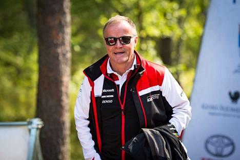 Tommi Mäkisen sai mielenkiintoisen kuskitrion.