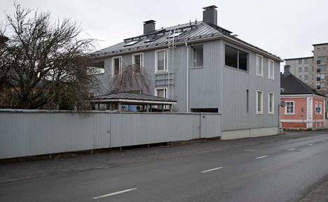 Tampereen Tammelaan suunnitellaan jälleen täydennysrakentamista. Tontin omistajat laittoivat muutokset vireille.