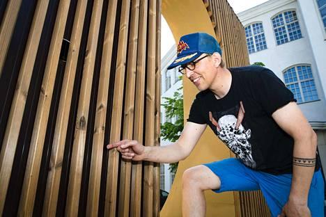 Perinnesoitinrakentaja Juhana Nyrhinen on suunnitellut soivan rampin lisäksi skeittilaudoista kanteleita. Soivalla rampilla voi skeitata, toisin kuin skeittilautasoittimella.