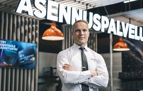 Juha-Mikko Saviluoto on edennyt osa-aikaisesta myyjästä kodinkoneita myyvän Power-ketjun toimitusjohtajaksi Suomessa.