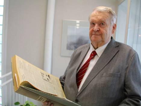 Tuomo Nenonen on ollut valtuutettuna 52 vuotta. Hän ei hae enää uudelle kaudelle.