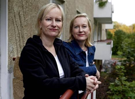 Sinikka ja Tiina Nopola vuonna 2003. Kuva: Christian Westerback