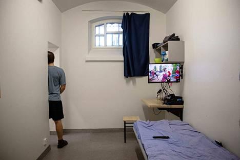 Päivittäinen vankiluku laskisi 300–400 vangilla, jos esitys toteutuu.