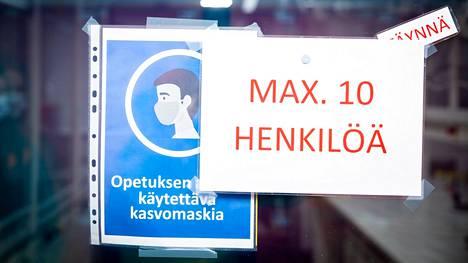 Näin opiskelijoita ohjeistettiin koronasuosituksista Tampereen ammattikorkeakoululla 23. elokuuta.