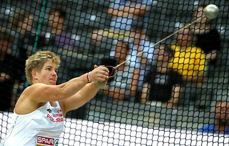 Anita Wlodarczyk hallitsee naisten moukarihäkkiä.