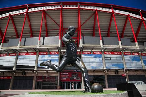 Benfican ja Portugalin maajoukkueen kotistadioni Estádio da Luz Lissabonissa on kapasiteetiltaan 65 647.
