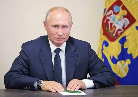 Presidentti Vladimir Putin pitää etäisyyttä Habarovskin mielenosoituksiin, jotka alkoivat paikallisen kuvernöörin vangitsemisesta ja saivat lisäpontta Putinin päätöksestä nimittää sijainen.