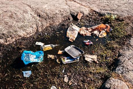 Katso tarkistuslista kesänvietosta syntyvien jätteiden kierrättämiseen.