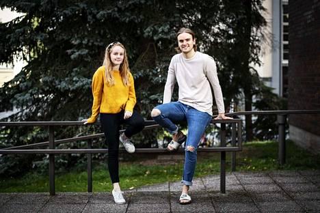 Eveliina Lahtinen ja Johannes Rannankari ovat Muumioopperan Pikku Myy ja Muumipeikko.