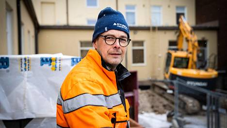 Antti Simula toivoo, että pk-yritykset pääsevät entistä paremmin mukaan paikallisiin rakennushankkeisiin. Esimerkiksi Karin kampuksen rakentamiseen ei paikallisilla ollut asiaa.