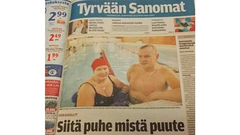 Tyrvis vieraili Kiikan uimahallissa vuonna 2012 kysymässä uimahallimielipiteitä.