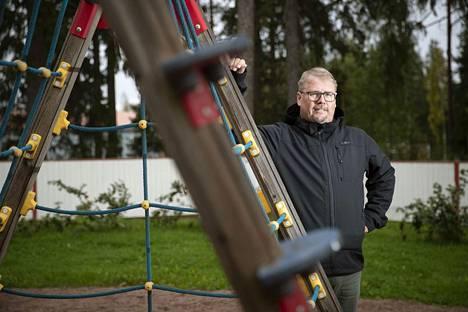 Eurajoen sivistysjohtaja Vesa-Pekka Leinon mukaan some on harkiten käytettynä osoittautunut hyväksi apuvälineeksi lasten ja nuorten ongelmailmiöitä ratkottaessa.