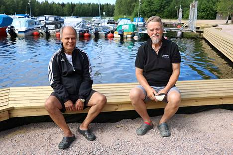 Kuvassa Janakkalan Venekerhon jäsenet Peter Hollming (vas.) ja Esko Ojanperä.