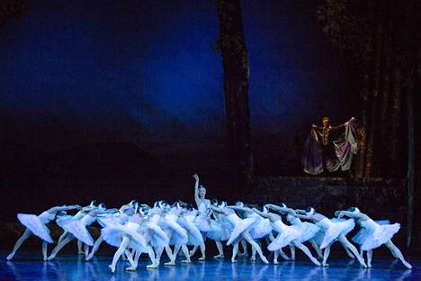 Brnon Kansallisteatterin baletin vahva joutsenkuoro on baletin parasta antia.